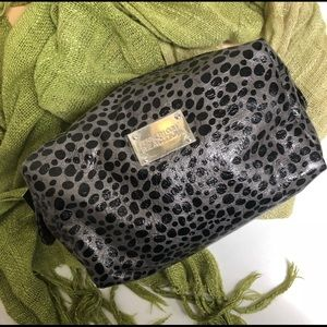 Kenneth Cole Reaction Cosmetic Bag